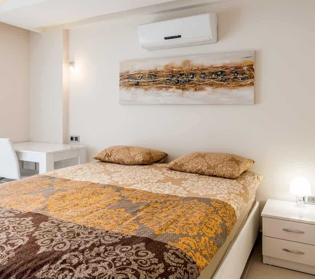 Viver sem ar condicionado - aparelho no quarto