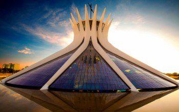 Passeie pelo legado de Oscar Niemeyer em 5 cidades atendidas pelo QuintoAndar
