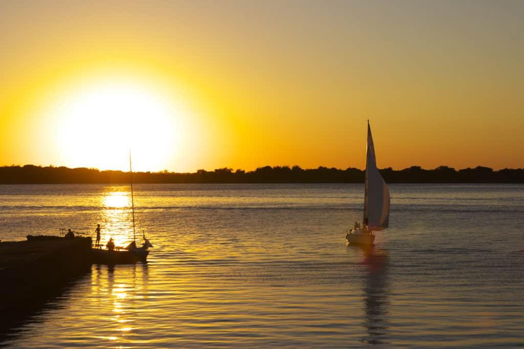Morar em Porto Alegre - O famoso pôr do sol no Guaíba