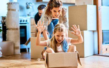 Como ajudar as crianças pequenas na adaptação pós-mudança