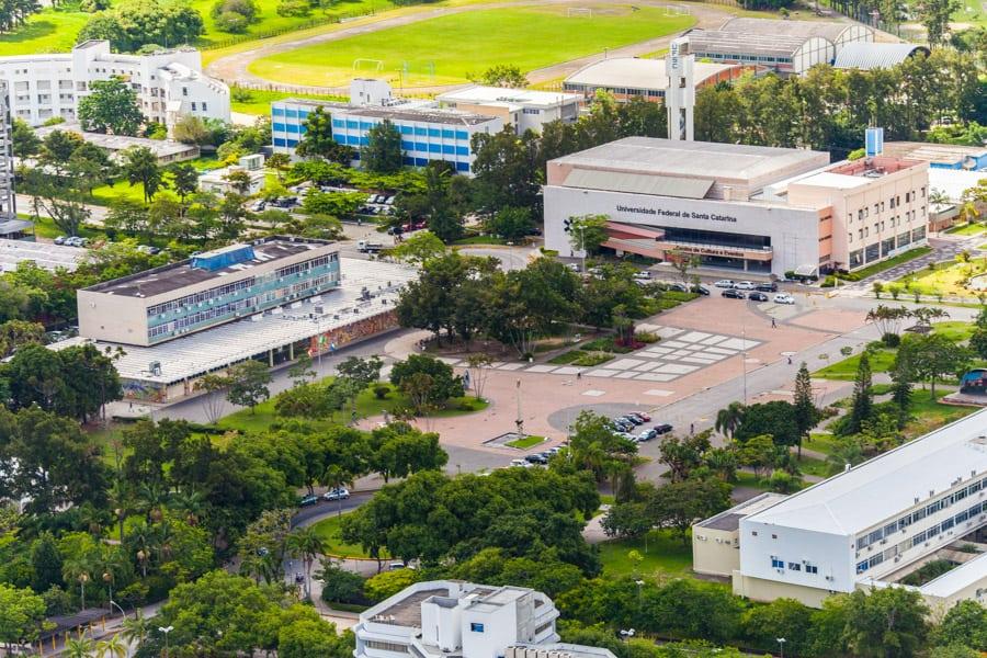 Melhores bairros de Florianópolis para universitários - UFSC aérea