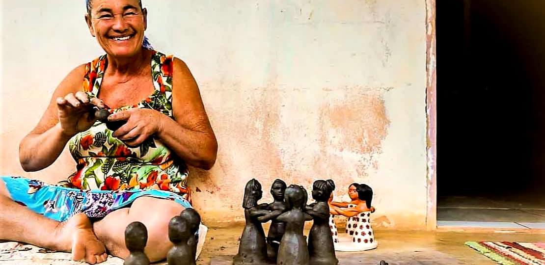 Artesanato empodera mulheres brasileiras com vendas de peças de decoração online