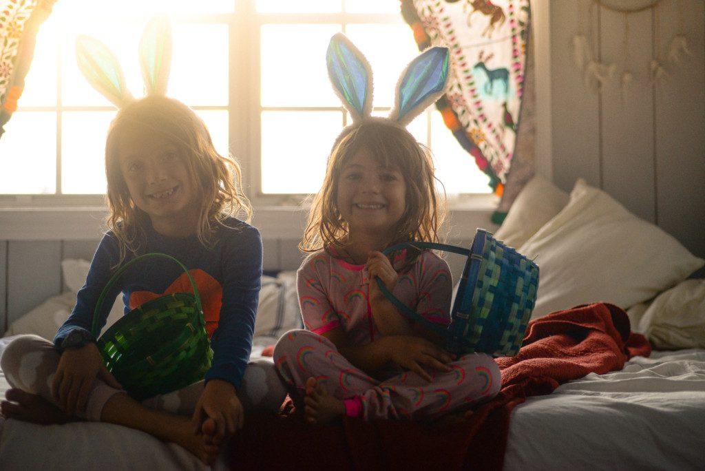Páscoa - Meninas com cestos