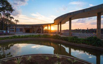 Foto que ilustra matérias sobre as casas dos sonhos de BH mostra a icônica Casa do Baile, na Lagoa da Pampulha, projetada por Oscar Niemeyer
