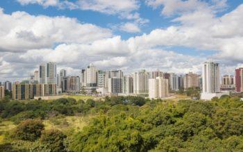 Foto que ilustra matéria sobre o custo de vida em Brasília mostra prédios do bairro de Águas Claras, na Capital Federal.