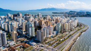 Entenda como é o custo de vida em Florianópolis e veja se morar na cidade cabe no seu bolso