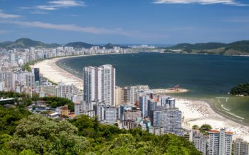 vista aérea da orla da cidade de santos, capa do conteúdo de melhores praias de santos